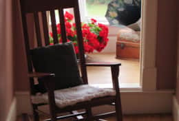 Mai_Hall_Rok_chair