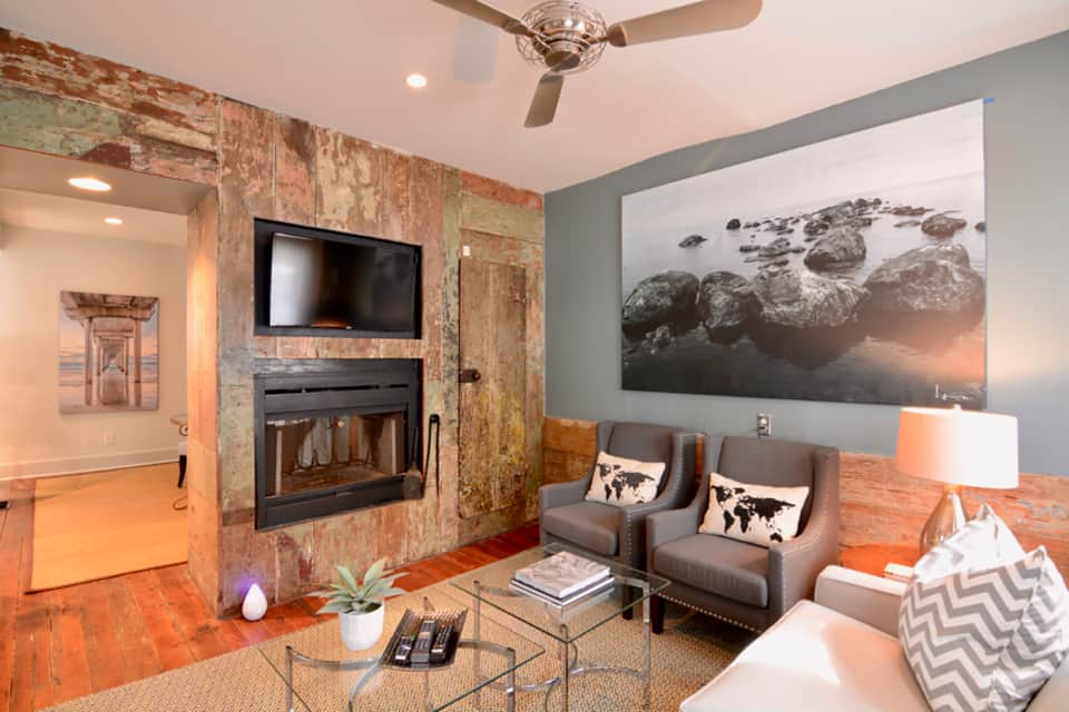 Enjoy The Rustic Modern Styled Living Room