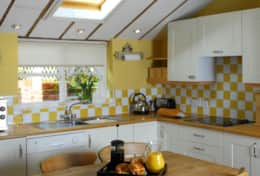 Admiral Cottage - Kitchen