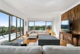 L'Ciabot Rye Loungeroom  - Good House Holiday Rentals Mornington Peninsula
