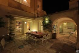 Casa del Palmarancio - courtyard by night - Gagliano del Capo - Salento