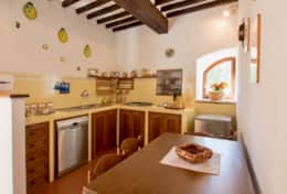 Antica Villa Cortona, ground floor apartment kitchen