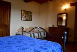 luxuryvacationvillaumbriatuscanyborder-bedroomfirstfloor2