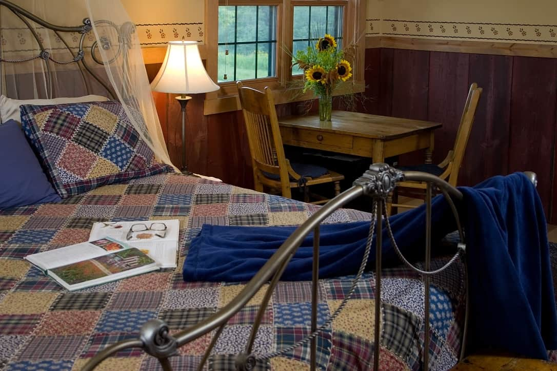 King bed at Pine Grove Park Bed and Breakfast Guest House Romantic Getaway