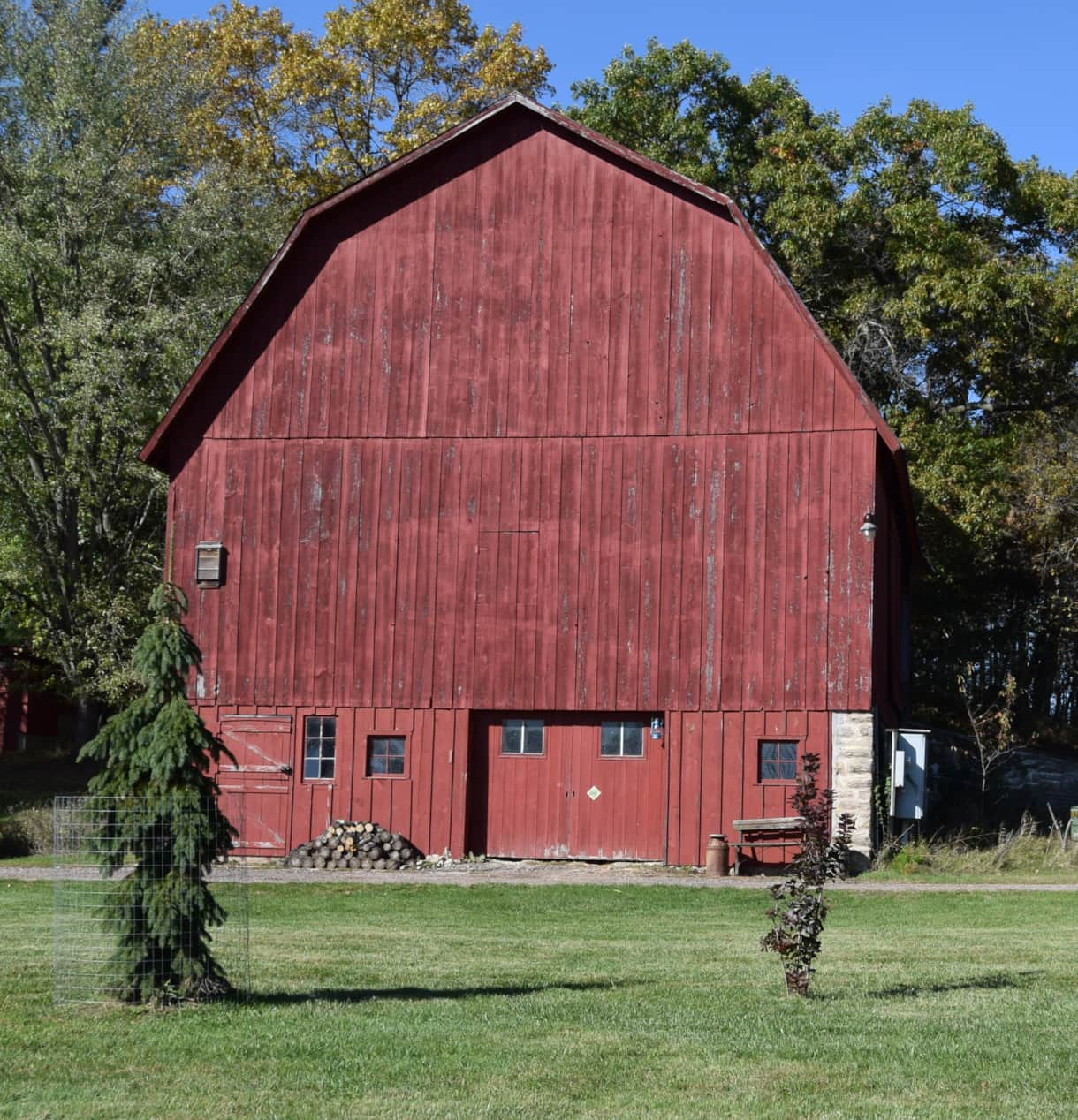 Historic barn at Pine Grove Park Bed and Breakfast Guest House in Reedsburg