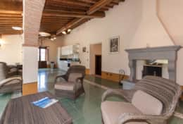 Holiday-in-Tuscany-Poppi-Villa-Borgo-Bibbiena (26)