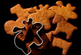 K39 Thistle Cottage – We can even supply gingerbread biscuit cutters