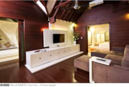 Villa Sabtu - Fist floor - TV room by night