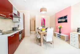 Bayside Apartment - Green - Kitchen
