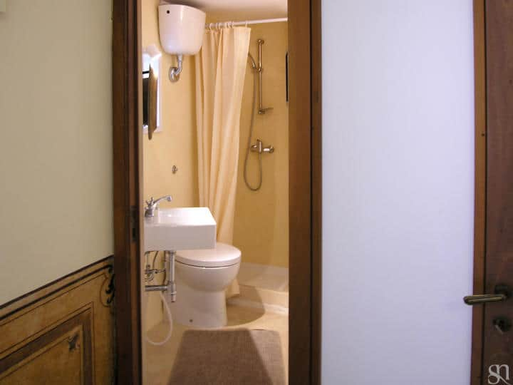 ... Palazzo Settecento - bathroom with shower - Lecce - Salento ...