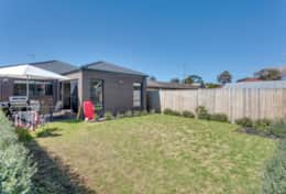 Fenced Backyard - Once Upon A Tide - Good House Holiday Rentals