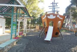 -Children park 300 meters from the villa, the square in Kampani