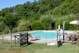 Villa Lavanda fenced pool