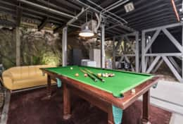 Garage and Pool Table