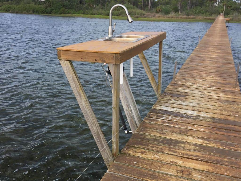 dock cleaning sink