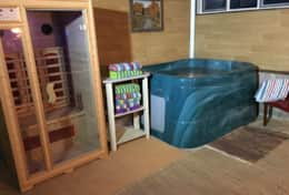 4-person hot tub and 2-person sauna in the renovated side of the garage