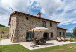 Holiday-in-Tuscany-Poppi-Villa-Borgo-Bibbiena (18)